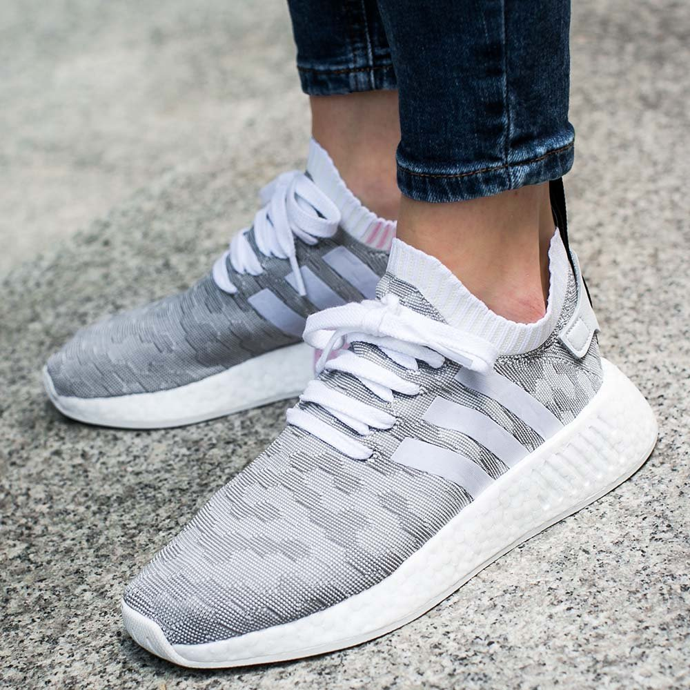 "adidas nmd r2 primeknit women ""footwear white/core black"" (by9520)"
