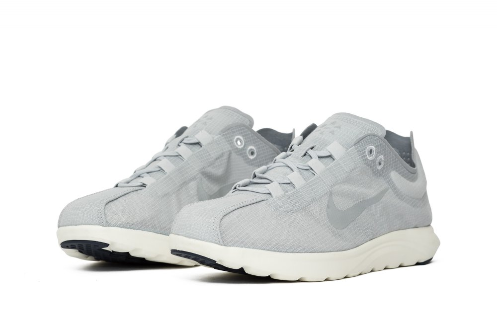 nikelab wmns mayfly lite pinnacle (881197-002)