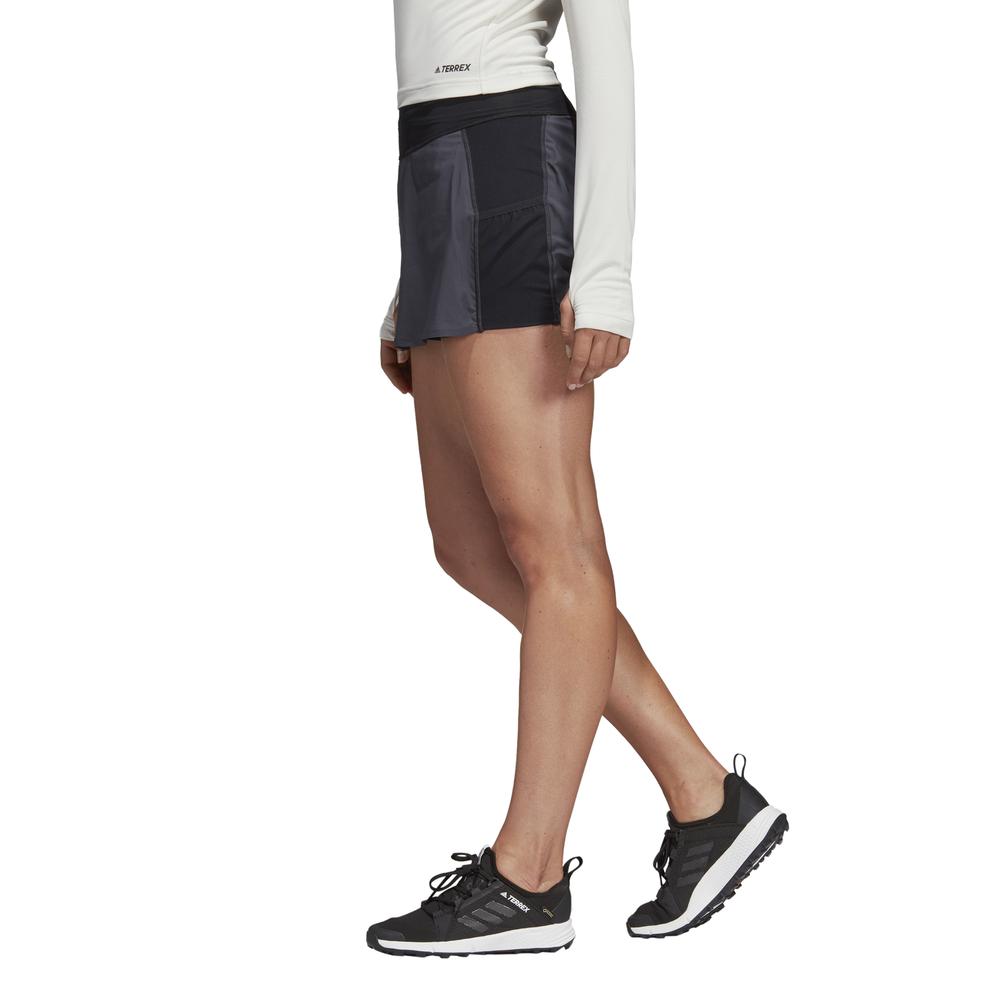 adidas terrex agravic two-in-one skort w czarno-szara