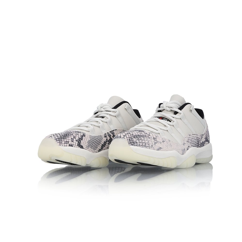 "air jordan 11 low le snakeskin ""light bone"""