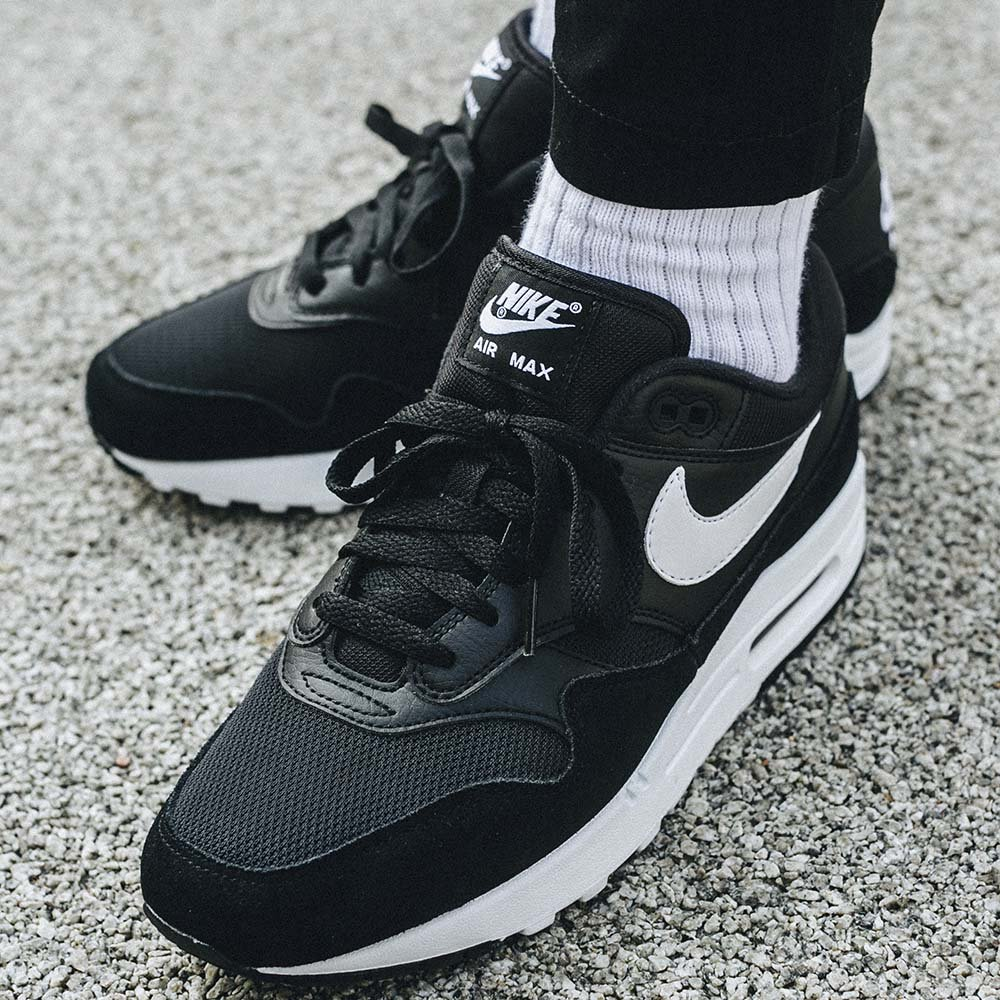 cheapest new collection undefeated x Nike Air Max 1 (AH8145-014)