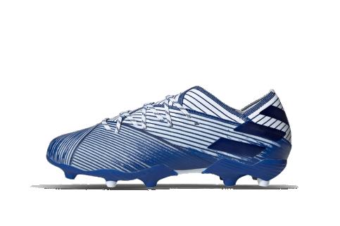 Juniorskie lanki adidas i Nike. Buty piłkarskie na trawę